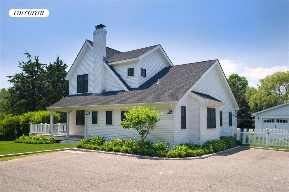 The Hamptons Real Estate | View 476 Blank Lane | Spacious