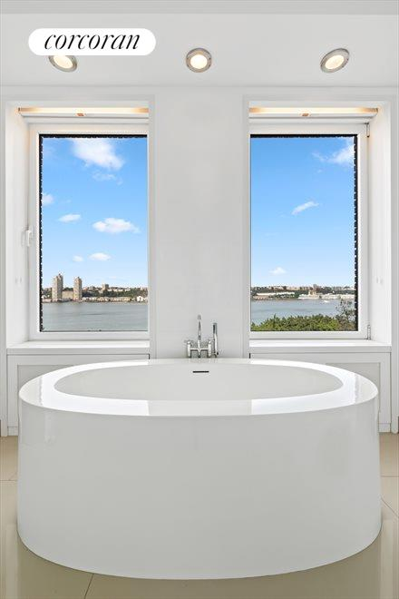 New York City Real Estate | View 137 Riverside Drive, #6/7D | Master Bath