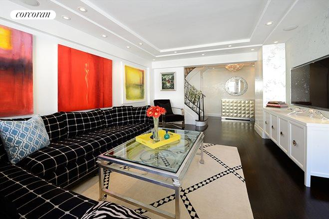 116 East 66th Street, 9/10C, Living Room