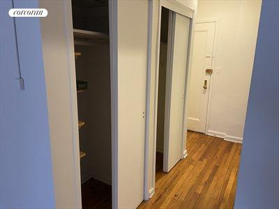 New York City Real Estate | View 261 East 71st Street, #4d | room 2