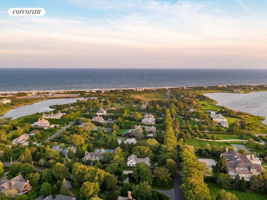 The Hamptons Real Estate | View 156 Meadowmere Lane | 5 Beds, 4 Baths