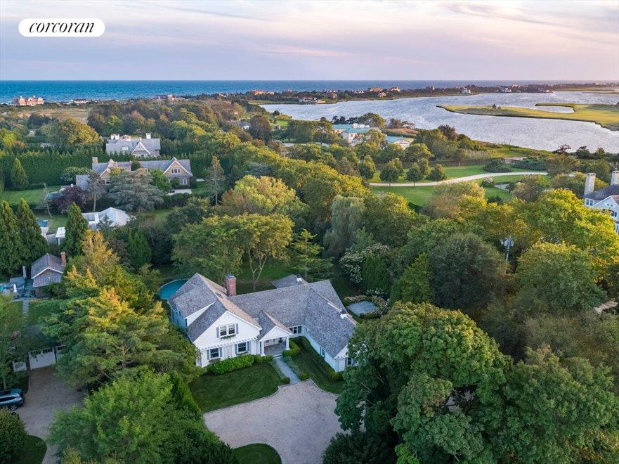 The Hamptons Real Estate | View 156 Meadowmere Lane | room 1