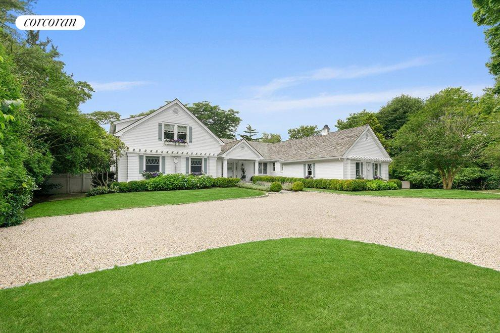 The Hamptons Real Estate | View 156 Meadowmere Lane | room 4