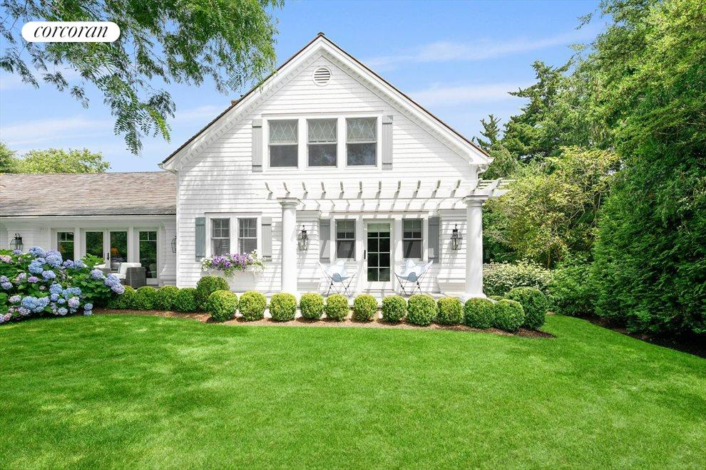 The Hamptons Real Estate | View 156 Meadowmere Lane | room 6
