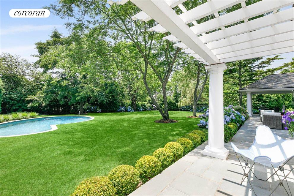 The Hamptons Real Estate | View 156 Meadowmere Lane | room 8