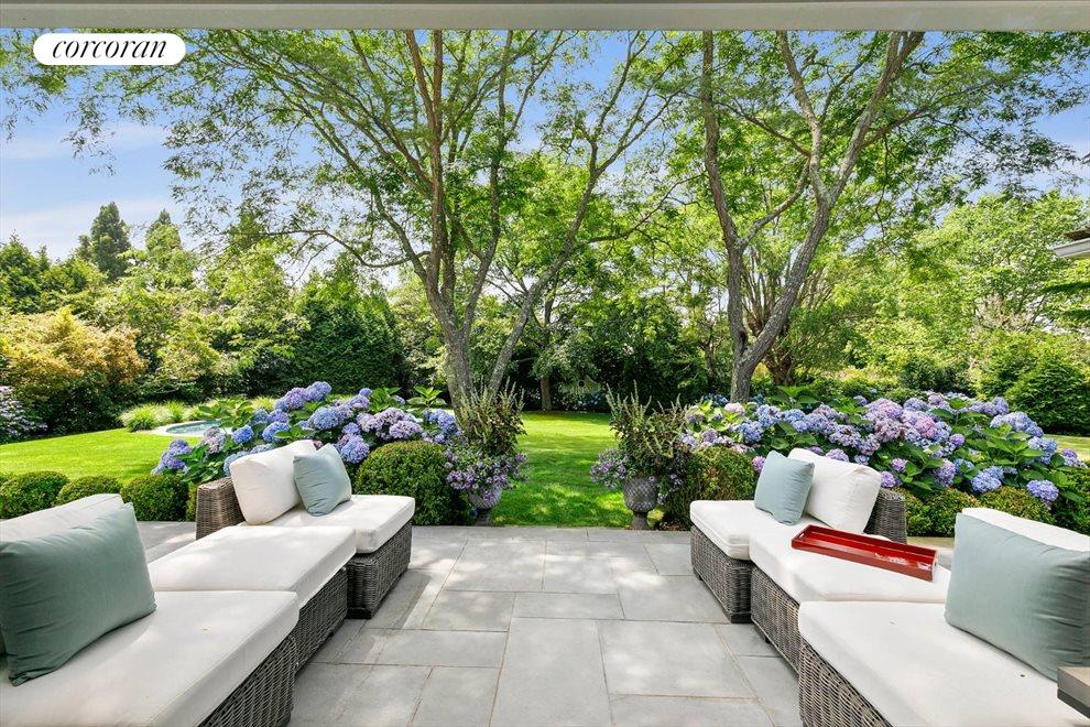 The Hamptons Real Estate | View 156 Meadowmere Lane | room 10