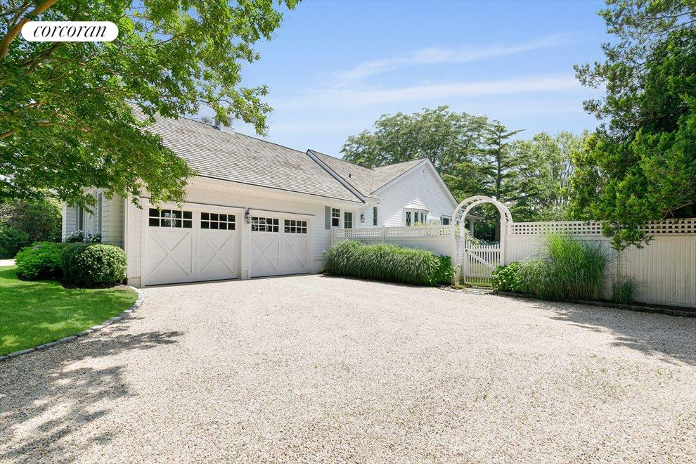 The Hamptons Real Estate | View 156 Meadowmere Lane | room 15