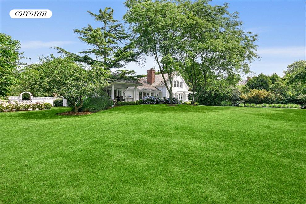 The Hamptons Real Estate | View 156 Meadowmere Lane | room 16