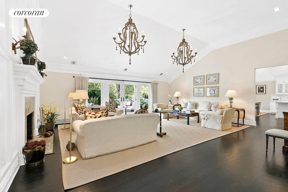 The Hamptons Real Estate | View 156 Meadowmere Lane | room 20
