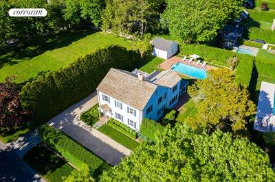 The Hamptons Real Estate | View 296 Little Plains Road | room 1