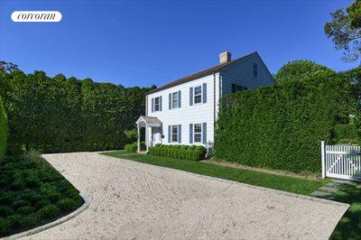 The Hamptons Real Estate | View 296 Little Plains Road | room 3