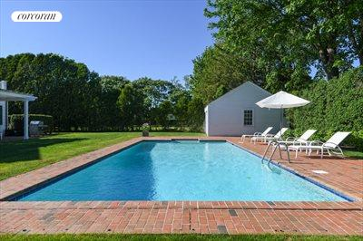 The Hamptons Real Estate | View 296 Little Plains Road | room 5