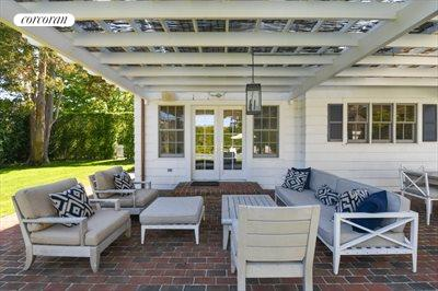 The Hamptons Real Estate | View 296 Little Plains Road | room 9