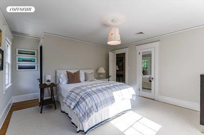 The Hamptons Real Estate | View 296 Little Plains Road | room 25