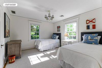 The Hamptons Real Estate | View 296 Little Plains Road | room 26