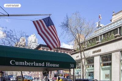 New York City Real Estate | View 30 East 62nd Street, #2H | First class Madison Avenue location