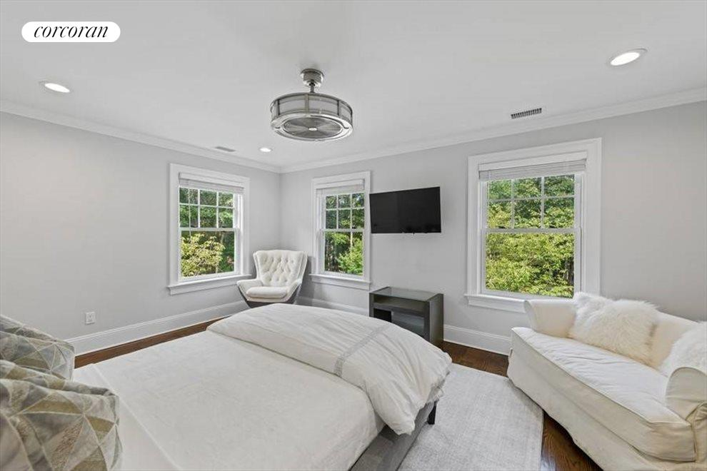 The Hamptons Real Estate | View 124 Merchants Path | room 12
