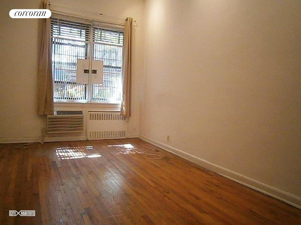 311 East 78th Street Interior Photo