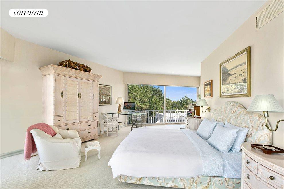 The Hamptons Real Estate | View 1750 Meadow Lane | room 10