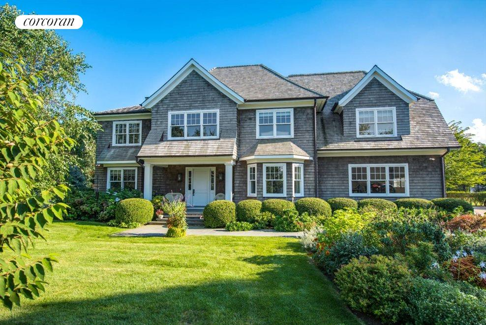 The Hamptons Real Estate | View 1109 Head of Pond Road | 7 Beds, 7 Baths