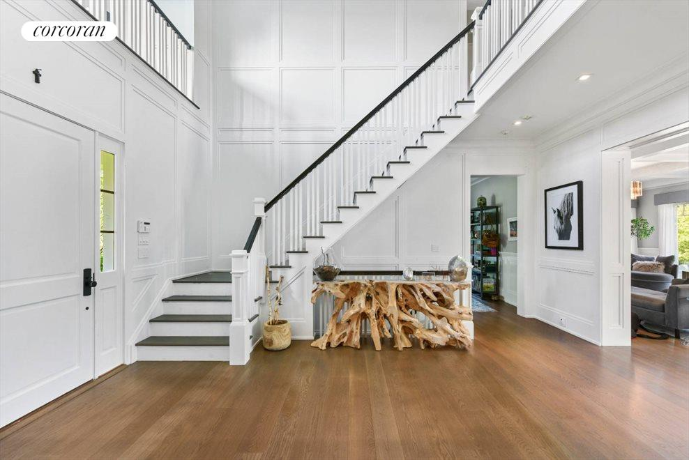 The Hamptons Real Estate | View 1109 Head of Pond Road | Foyer