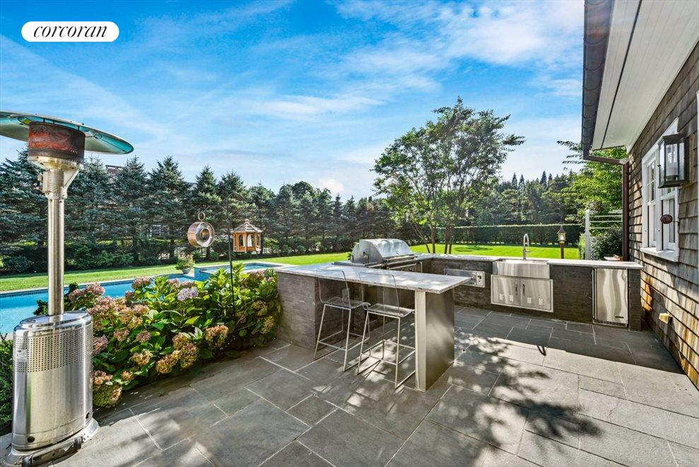 The Hamptons Real Estate | View 1109 Head of Pond Road | Outdoor Kitchen
