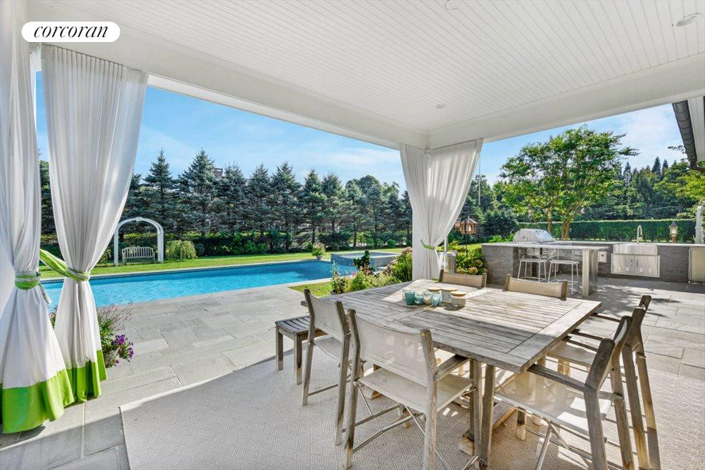 The Hamptons Real Estate | View 1109 Head of Pond Road | Outdoor Dining