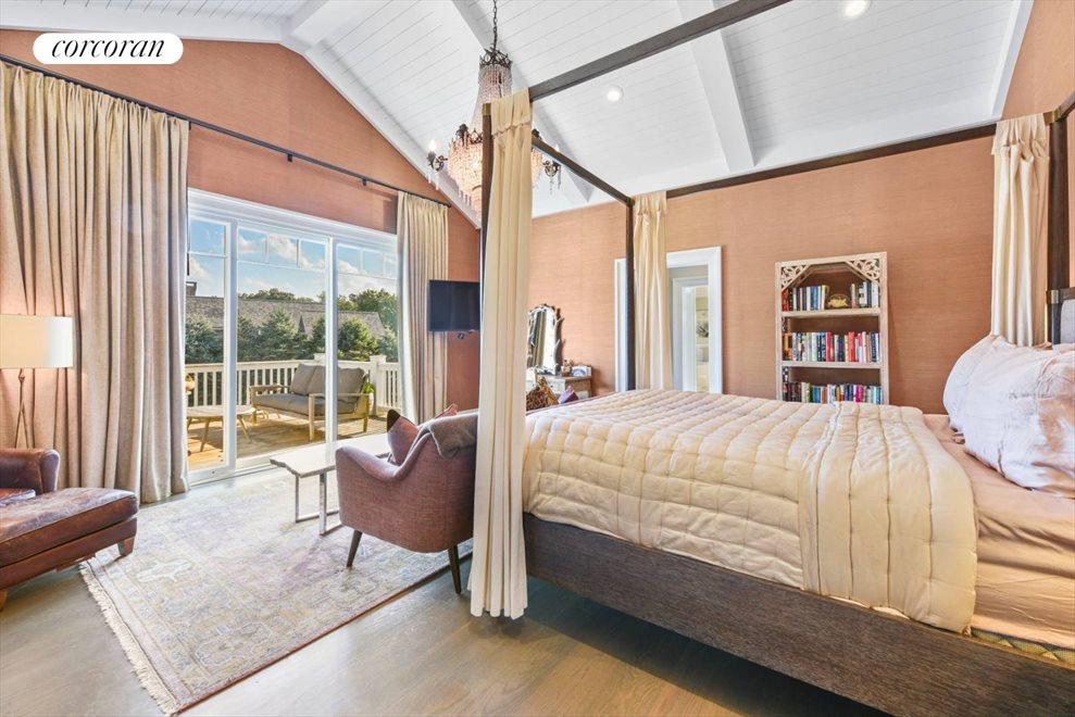 The Hamptons Real Estate | View 1109 Head of Pond Road | Master Bedroom