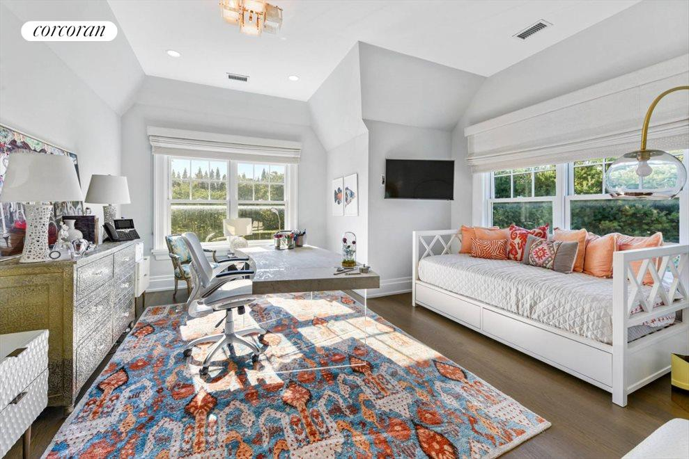 The Hamptons Real Estate | View 1109 Head of Pond Road | Bed 2 Ensuite