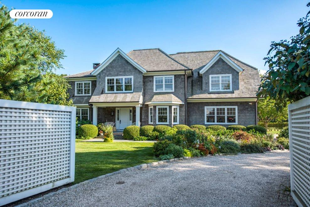 The Hamptons Real Estate | View 1109 Head of Pond Road | Gated Entrance