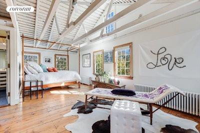 The Hamptons Real Estate | View 384 Main Street | Generous Master Bedroom