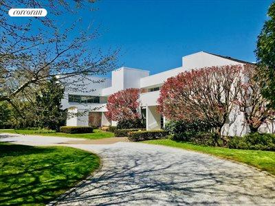 The Hamptons Real Estate | View 20 Stephen Halsey Path | 5 Beds, 7 Baths