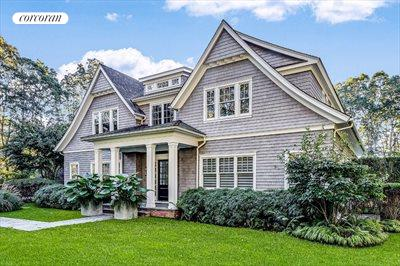 The Hamptons Real Estate | View 10 East Woods Path | 6 Beds, 7 Baths