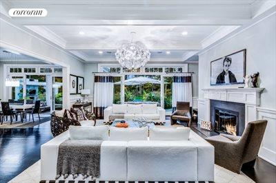 The Hamptons Real Estate | View 10 East Woods Path | room 3