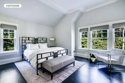 The Hamptons Real Estate | View 10 East Woods Path | room 14