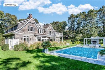 The Hamptons Real Estate | View 10 East Woods Path | room 17