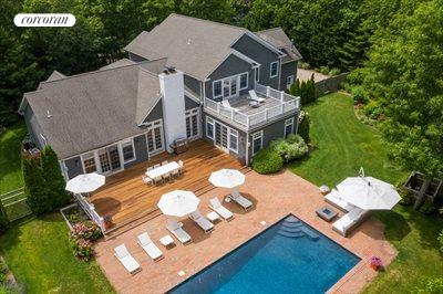 The Hamptons Real Estate | View 18 Noelles Lane | 5 Beds, 6 Baths