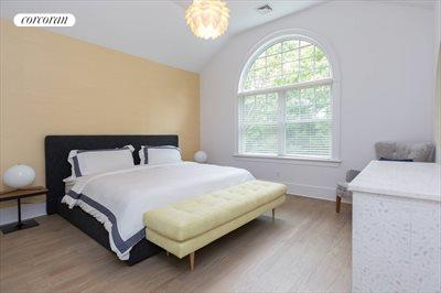 The Hamptons Real Estate | View 18 Noelles Lane | Bedroom 5