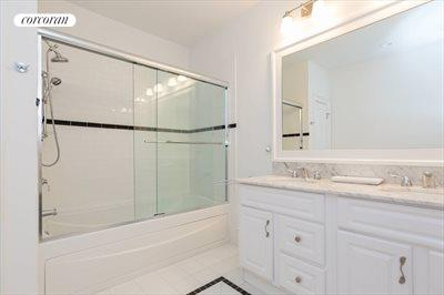 The Hamptons Real Estate | View 18 Noelles Lane | Bathroom2