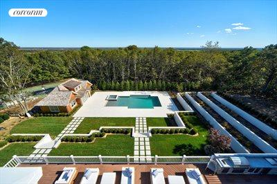 The Hamptons Real Estate | View 12 Water Mill Heights Drive | rear yard
