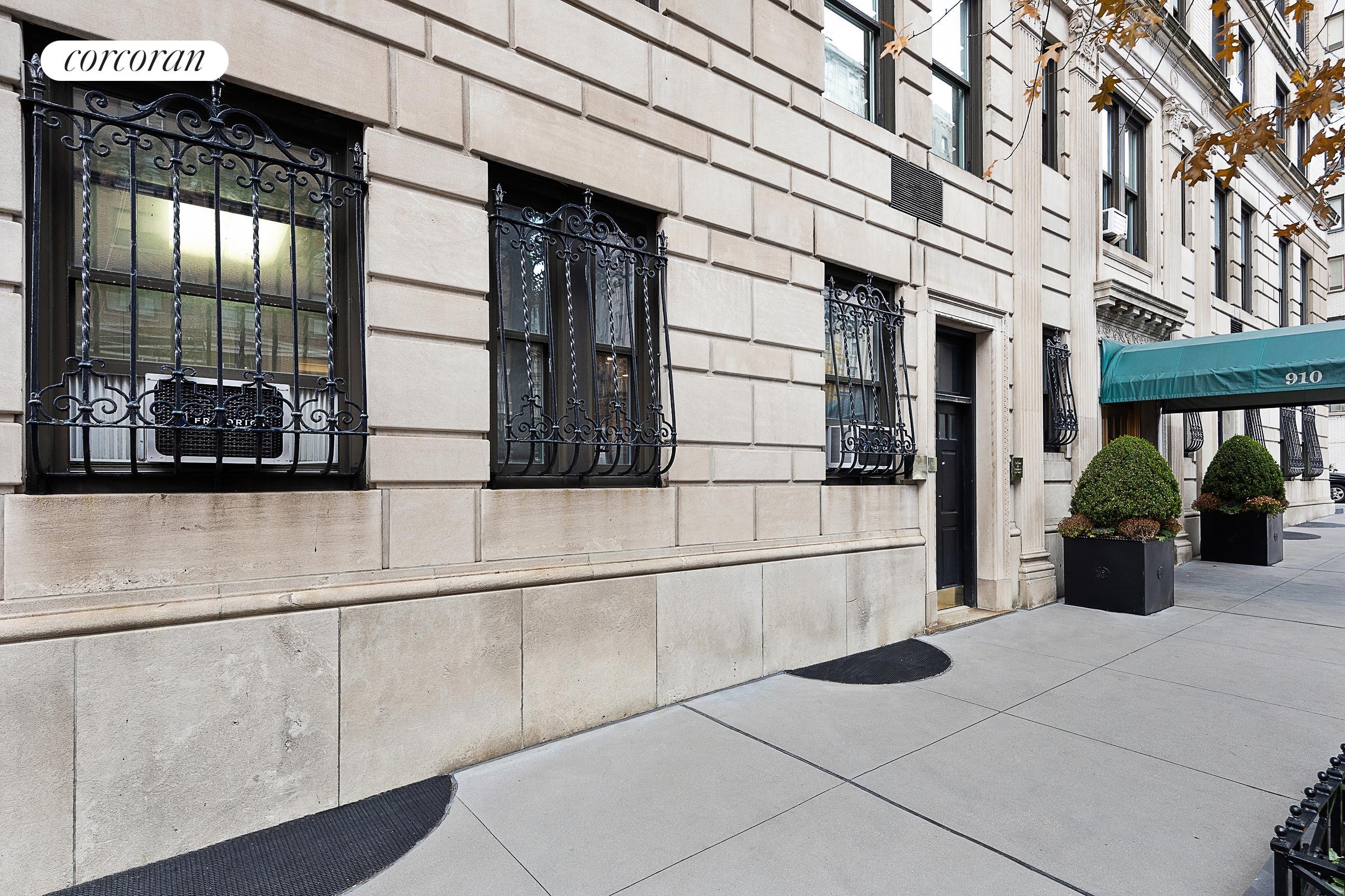 Apartment for sale at 910 Park Avenue, Apt 1S