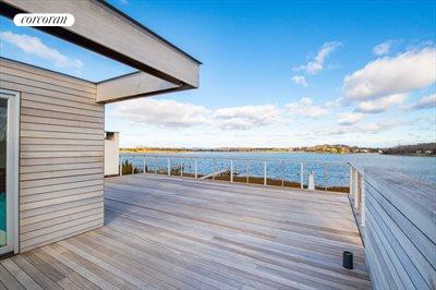 The Hamptons Real Estate | View 15 Sims Drive | room 1