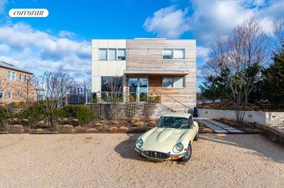 The Hamptons Real Estate | View 15 Sims Drive | room 21