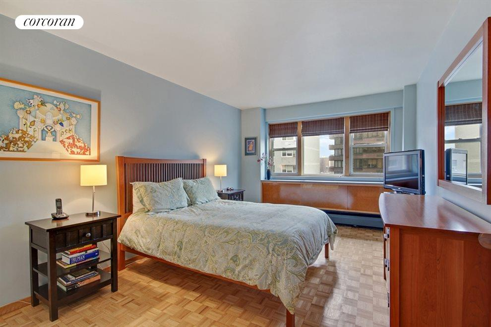 Sunny, King Size Bedroom