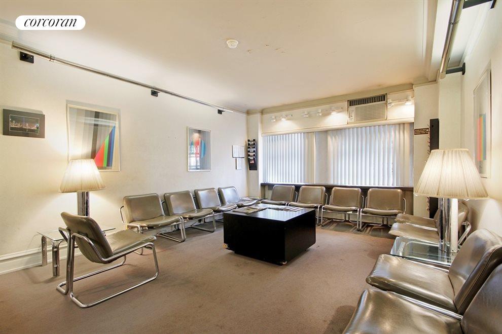 Waiting Room, 1095 Park Avenue