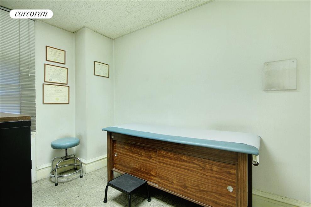 Exam Room, 1095 Park Avenue
