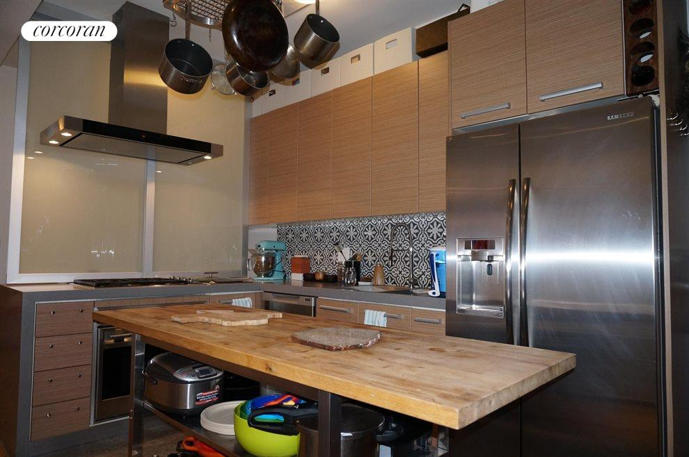 Vented Kitchen with Modern Appliance Package