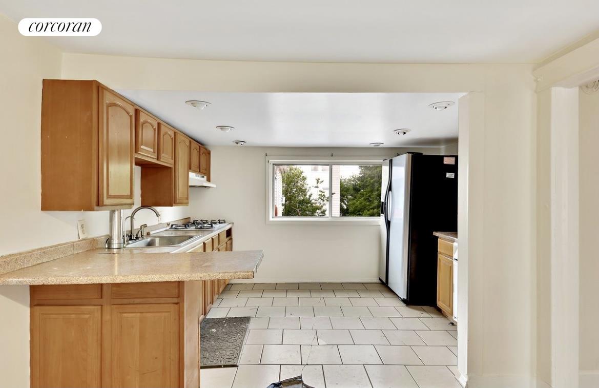2011 Gildersleeve Avenue Clason Point Bronx NY 10473