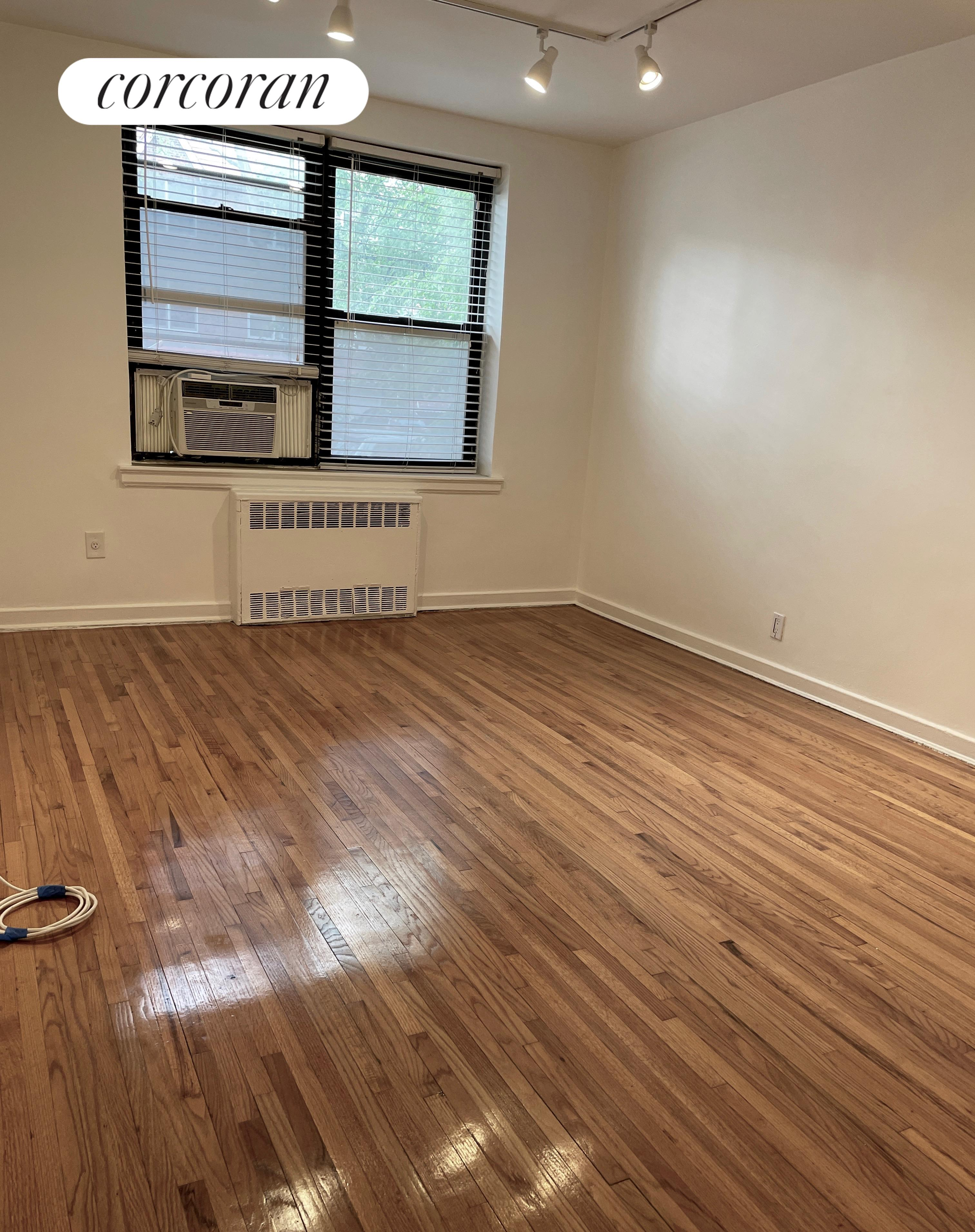 52-18 39th Avenue Woodside Queens NY 11377