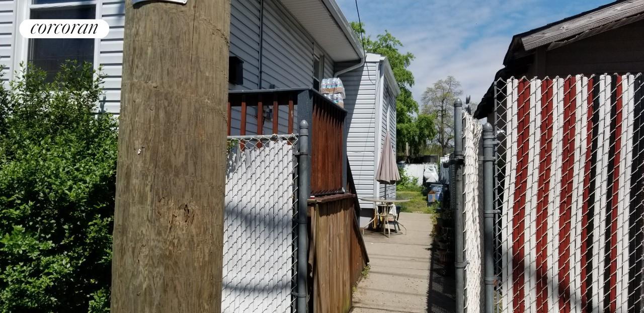 75 Brabant Street Mariner's Harbor Staten Island NY 10303
